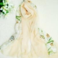 ผ้าพันคอลายดอกไม้