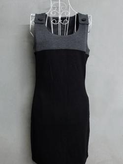 เดรสแขนกุดสีเทา-ดำ