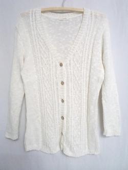 เสื้อคลุมไหมพรมสีขาว แบรนด์ Studio Clip