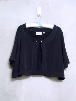เสื้อคลุมครึ่งตัวสีดำแบรนด์ AVENUE