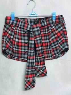 กางเกงขาสั้นแบรนด์ b + ab