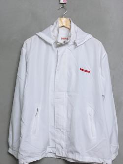 เสื้อแจ็คเก็ตมือสอง สีขาว