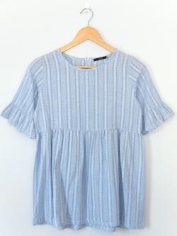 เสื้อแฟชั่นคอกลมสีฟ้า