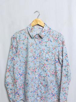 เสื้อเชิ้ตลายดอกไม้