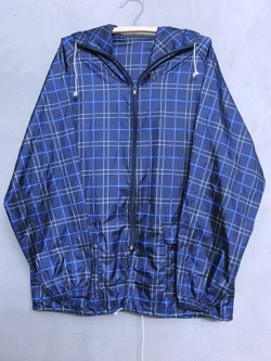 เสื้อแจ็คเก็ตผ้าร่มสีน้ำเงิน