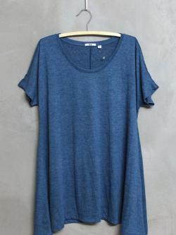 เสื้อยืดตัวยาวแบรนด์ Uniqlo สีน้ำเงิน