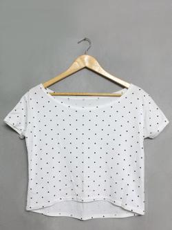 เสื้อยืดลายจุดสีขาว-ดำ