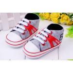 รองเท้าผ้าใบเด็กเล็ก รองเท้าเด็ก อายุ 6-18 เดือน รองเท้าผ้าใบสีเทา คาดเส้น สีแดง มีเชือกผูกด้านหน้า รองเท้าเด็กเล็ก แบบสวม นุ่ม ใส่สบาย 320943_1