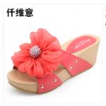 รองเท้าแตะดอกไม้