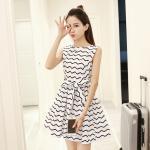 **สินค้าหมด Dress4098-Size-L เดรสน่ารักทรงสวยลายซิกแซกพื้นสีขาว มีซิปหลังใส่ง่าย ผ้าสกินนี่เนื้อดีหนาสวย