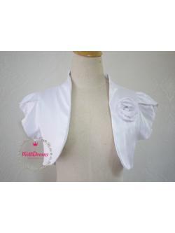 เสื้อคลุมหรูตัวสั้น สีขาว ผ้าไหมจีนมันสวย จับช่อดอกไม้หน้าอก ไซส์มาตรฐาน