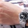 นาฬิกาข้อมือ ผู้ชาย สาย stainless แท้ สีเงิน สายถี่ หน้าปัดเรืองแสง ตอนกลางคืน กันน้ำได้ นาฬิกาแบบผู้ใหญ่ วัยทำงาน แบบหรู ดีไซน์เก๋ 143264