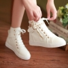 รองเท้าผ้าใบหุ้มข้อ รองเท้าผ้าใบ หุ้มส้น รองเท้าผ้าใบผู้หญิง วัยรุ่นเท่ ๆ สีขาว แต่งด้วย ซิปสีทอง สุดหรู รองเท้าแนวร็อค ห้อยจี้ทอง 61574_3