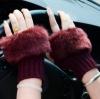 สีแดงไวน์ : ถุงมือไหมพรม แต่งขนเฟอร์ กันหนาวน่ารักๆ พร้อมส่ง
