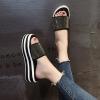 รองเท้าแฟชั่นสำหรับผู้หญิง สวยได้ทุกแนว
