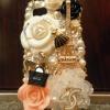 Case iPhone 5s Chanel ไอโฟน 4s ชาเนล ประดับด้วยดอกคามิเลียสีขาว Chanel logo และไอเท็มเก๋สุดเริด