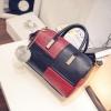 (new)สินค้าขายดี⭐⭐⭐ พร้อมส่ง แฟชั่นกระเป๋าถือ +สพายข้าง(แถมลูกฟูกขนนุ่ม) งานนำเข้าพรีเมี่ยม ขนาดกำลังดี งานน่ารักมากจ้า ข้างในมีช่องเล็กใส่ของจุกจิก สายสะพายยาว