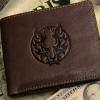 กระเป๋าสตางค์ ผู้ชาย หนังวัวแท้ สีน้ำตาล ปั้มลาย หัว มังกร เสริมสร้างบารมี แก่ผู้ใช้ ของขวัญสุดหรู กระเป๋าสตางค์หนังแท้ ลายมงคล 92935