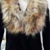 ขนเฟอร์ fur สีน้ำตาลอ่อนแซมดำ ขนฟู ใช้ติดเสื้อหนาว หรือใช้พันคอเพิ่มความเก๋ มิกได้กับทุกชุด มาพร้อมกระดุมใส