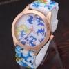 นาฬิกาข้อมือผู้หญิง สายซิลิโคน ใส่กับชุดเดรส นาฬิกา ลายดอกไม้ สีฟ้า ดูสดใส หน้าปัดสีทองเพิ่มความหรูหรา no 440174_4