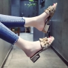 รองเท้าแฟชั่นผู้หญิง ใหม่ล่าสุด งานดี มีให้เลือกหลายแนว