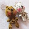 พวงกุญแจตุ๊กตาหมีถัก ขนาด 4 นิ้ว bear amigurumi crochet keychain 4 inches