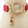 นาฬิกาข้อมือ ผู้หญิง สายหนัง สไตล์กำไล ประดับเพชร Crystal ห้อยอักษร Love ของขวัญสุดหรู สีแดง no 907049_2