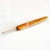 เข็มโครเชต์ด้ามจับไม้ไผ่ 2.25 mm.