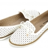 รองเท้าหุ้มส้น ผู้หญิง รองเท้าหนัง สีขาว ใส่ทำงาน ใส่เที่ยว รองเท้าหุ้มส้น แบบมีรูระบายอากาศ 955298