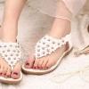 รองเท้าส้นแบน รองเท้าแฟชั่น ผู้หญิง รองเท้าแตะ แบบหนีบ รองเท้ารัดส้น ใส่เที่ยว ลายดอกไม้ สีขาว ปิดหน้าเท้า รองเท้าใส่เดินชายหาด 916623_2