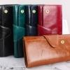 กระเป๋าสตางค์ผู้หญิง ใบยาว แบบพับ ใส่บัตรได้เยอะ กระเป๋าสตางค์หนังวัวแท้ แบบ Oil wax เงา ยิ่งใช้ยิ่งสวย สีแดง น้ำตาล ดำ น้ำเงิน แบบไฮโซ 630596