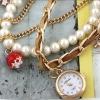 นาฬิกาข้อมือผู้หญิง แบบเป็น สร้อยข้อมือ นาฬิกา สายหนังทองประดับ ตุ้งติ้ง และ ไข่มุก คริสตัล เหมาะกับเป็น ของขวัญให้แฟน มากค่ะ no 31948_1