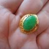 NJ11P หัวแหวนหยกพม่าแท้ 4.5กะรัตสีเขียวหวานเนื้อเทียนกึ่งลำใยนวลสวยสีธรรมชาติมีเส้นหินด้านหน้าเล็กน้อยแทบไม่เห็น