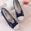 รองเท้าผ้าใบผู้หญิง ส้นแบน รองเท้าหุ้มส้น แบบ ผ้าใบ สีน้ำเงิน กรมท่า ใส่สบาย ใส่งานกีฬา ใส่ทำงาน ใส่เที่ยว ได้ทุกโอกาส 415345_1