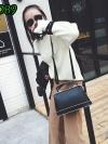 (new)สินค้าขายดี⭐⭐⭐ พร้อมส่ง แฟชั่นกระเป๋าถือ +สพายข้าง(งานเนียบไฮโซมาก) งานนำเข้าพรีเมี่ยม ขนาดกำลังดี งานน่ารักมากจ้า ข้างในมีช่องเล็กใส่ของจุกจิก สายสะพายยาว