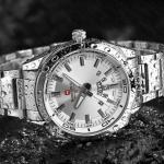 นาฬิกาข้อมือ ผู้ชาย สาย stainless แท้ สีเงิน กันน้ำได้ มีระบบ วันที่ ปฏิทิน นาฬิกาใส่ทำงาน แบบมีดีไซน์ หน้าปัด ขาว ดำ ของขวัญให้แฟน สุดหรู 984549