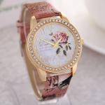 นาฬิกาข้อมือ ผู้หญิง สายหนัง ดีไซน์ เพชร ล้อมหน้าปัด ลายดอกไม้ สวยหวาน นาฬิกาข้อมือสายหนัง แบบมีดีไซน์ สวยไฮโซ 185148