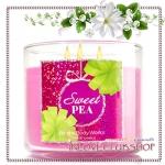Bath & Body Works Slatkin & Co / Candle 14.5 oz. (Sweet Pea)