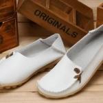 รองเท้าหุ้มส้น ผู้หญิง วัสดุ ทำจากหนังแท้ พื้นปุ่มกันลื่น แข็งแรงทนทาน รองเท้าคัทชู ไม่มีส้น ใส่สบาย ดีไซน์เก๋ แบบน่ารัก สีขาว no 65812_2
