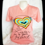 เสื้อยืดคอวี สกรีนลาย หัวใจ+ หูฟัง