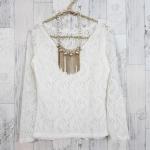 **สินค้าหมด blouse1705 เสื้อแฟชั่นคอวี แขนยาว ผ้าลูกไม้ยืดเนื้อนิ่ม สีขาว