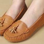 รองเท้าคัทชู ใส่ทำงาน รองเท้าหุ้ม รองเท้าผู้หญิง หนังนิ่ม ดีไซน์ จับจีบ ห้อยพู่เล็ก ๆ ด้านหน้า รองเท้าใส่เที่ยว ทำงาน สีน้ำเงิน น้ำตาล ชมพู 486129