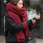ผ้าพันคอ ไหมพรม เกาหลี สีแดง มิกกับชุดไหนก็สวย พร้อมส่ง