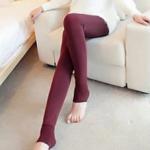 สีแดงไวน์ : Legging เลกกิ้งกันหนาว ลองจอน เลขตัวเดียวกำลังดี ด้านในเป็นขนนุ่ม ยืดได้เยอะ กระชับทรง พร้อมส่งเลยจ้า