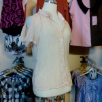 Sale!! blouse1589 เสื้อแฟชั่นคอปกเชิ้ต ผ้าชีฟอง กระดุมหน้า แขนสั้นเว้าไหล่ สีเนื้อ