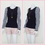 **สินค้าหมด blouse1702 เสื้อแฟชั่นผ้าคอตตอนสีพื้นตัดต่อแขนยาวลายสก็อต สีดำ รอบอก 36 นิ้ว