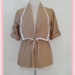 **สินค้าหมด Sale!! blouse1684 เสื้อคลุมแฟชั่นตัวยาว ผ้าหางกระรอก เอวรูด แขนสี่ส่วนอินธนู สีน้ำตาลพาสเทล
