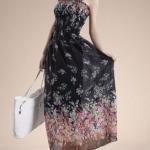 ชุดเดรสยาว ผ้าชีฟอง พื้นสีดำลายดอก ใส่ไปเที่ยวทะเลชิวๆ สม้อกช่วงอก no 53685