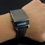 นาฬิกาข้อมือ ผู้ชาย สายหนังแท้ แสดงเวลา แบบ Led ลักษณะ คล้ายหุ่นยนต์ ไฮเทค บอกได้ทั้งวันที่ และ เวลา 469787