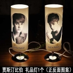 Preorder โคมไฟตั้งโต๊ะ Justin Bieber